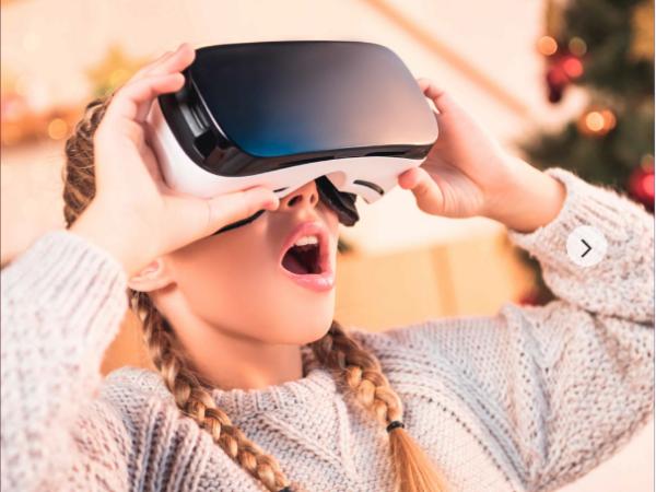 Santa's Magical Virtual Reality Sleigh Ride